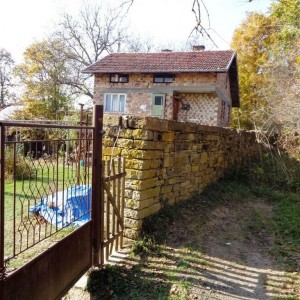 Къща в с. Драгиевци (Габрово)