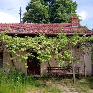 Къща в с. Петко Славейков (Севлиево)