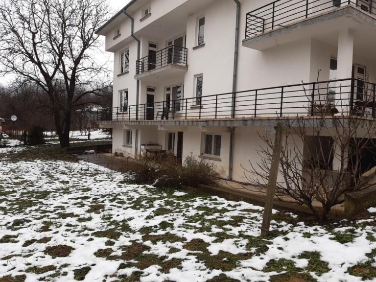 Къща в с. Златевци (Габрово)