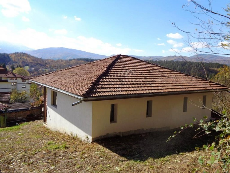 Къща в гр. Априлци (Априлци)