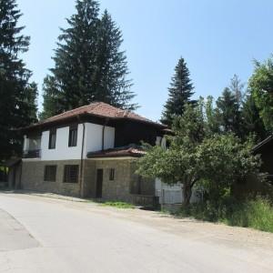 Хотел в с. Кметовци (Габрово)
