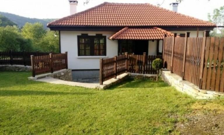 Къща в с. Мечковица (Габрово)