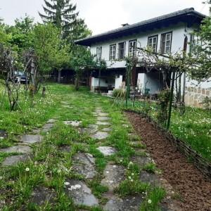 Къща в с. Лесичарка (Габрово)
