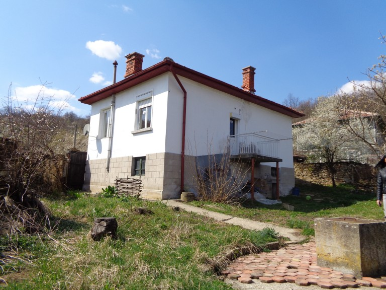 Къща в с. Шарани (Габрово)