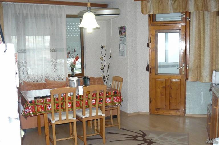 Многостаен апартамент в гр. Велико Търново (Велико Търново)